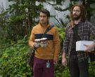 Philz Coffee Cups Held by Kumail Nanjiani as Dinesh in Silicon Valley Season 6 Episode 6 (1)