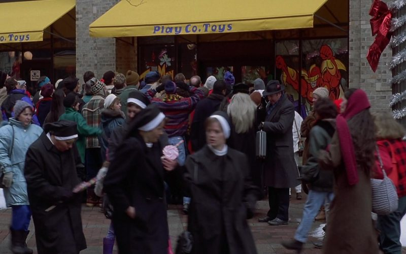 Play Co. Toys Store in Jingle All the Way (1)