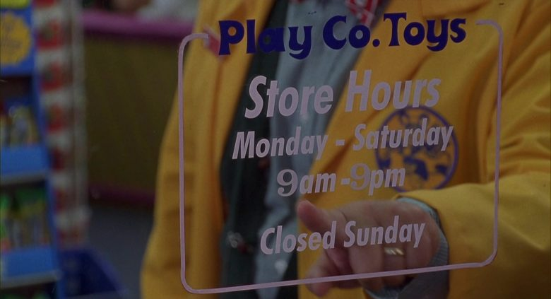 Play Co. Toys Store in Jingle All the Way (2)