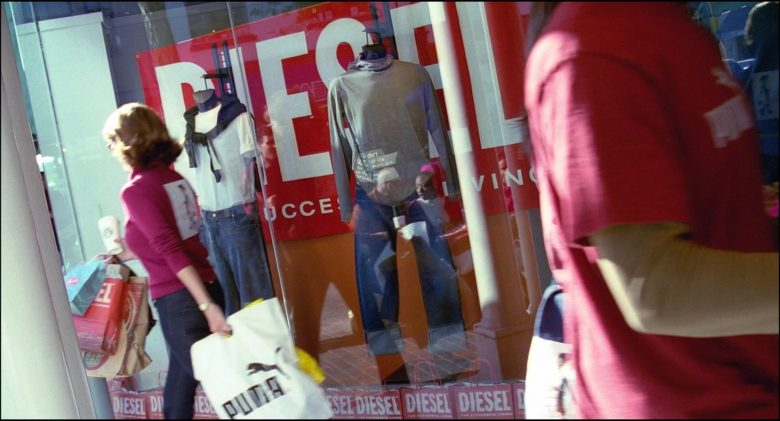 Puma and Diesel in Josie and the Pussycats (2)