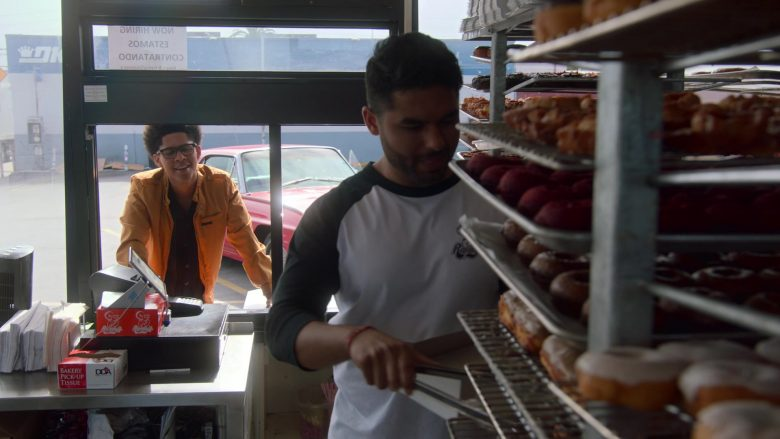 Randy's Donuts Donut Shop in Runaways Season 3 Episode 4 Rite of Thunder (1)