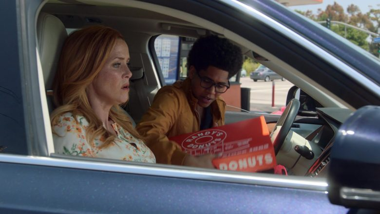 Randy's Donuts Donut Shop in Runaways Season 3 Episode 4 Rite of Thunder (5)