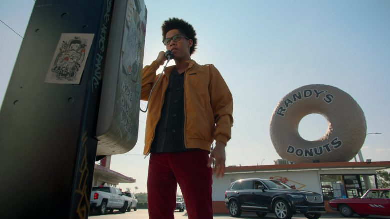 Randy's Donuts and Volvo Car in Runaways Season 3 Episode 3 Lord of Lies (1)