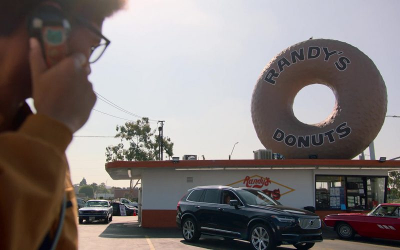 Randy's Donuts and Volvo Car in Runaways Season 3 Episode 3 Lord of Lies (2)