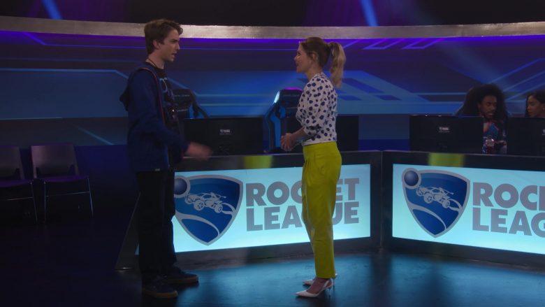 Rocket League Video Game in Fuller House Season 5 Episode 5 (4)
