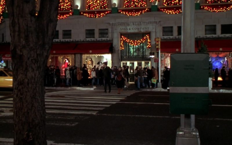 Saks & Company Store in Elf (2003)