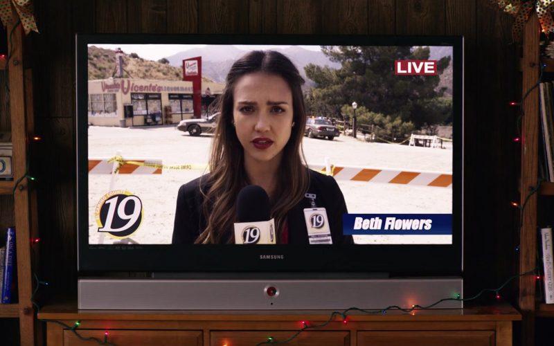 Samsung TVs in El Camino Christmas (2)