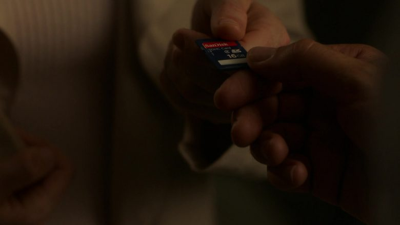 SanDisk SDHC Card 16GB in Ray Donovan Season 7 Episode 4 Hispes