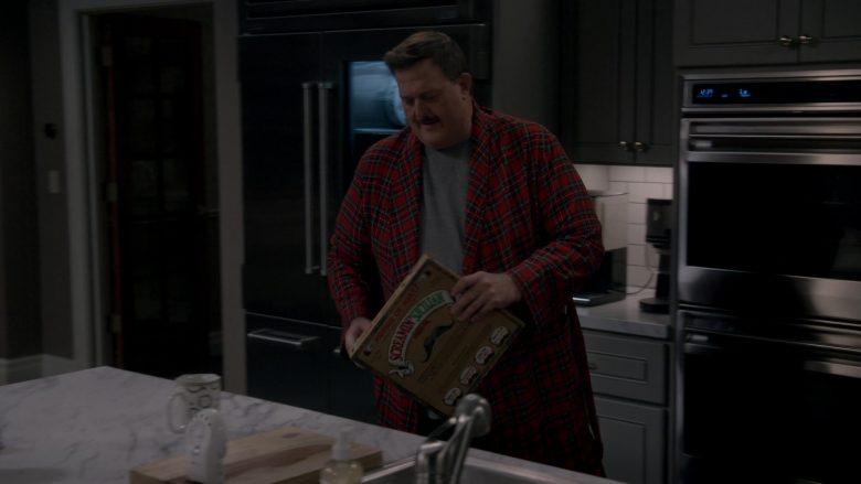 Screamin' Sicilian Frozen Pizza Enjoyed by Billy Gardell as Robert 'Bob' Wheeler in Bob Hearts Abishola Season 1 Episode 10