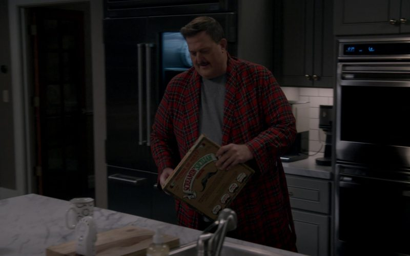 Screamin' Sicilian Frozen Pizza Enjoyed by Billy Gardell as Robert 'Bob' Wheeler in Bob Hearts Abishola Season 1 Episode 10