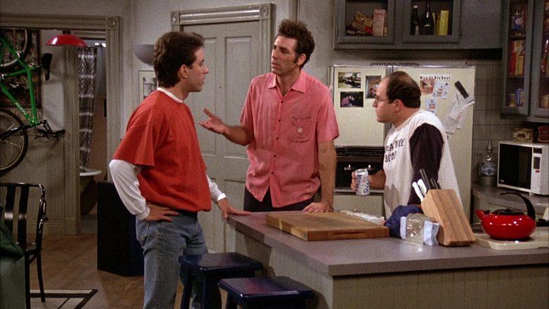 Shasta Diet Cola Can Held by Jason Alexander as George Costanza in Seinfeld Season 3 Episode 11 (1)