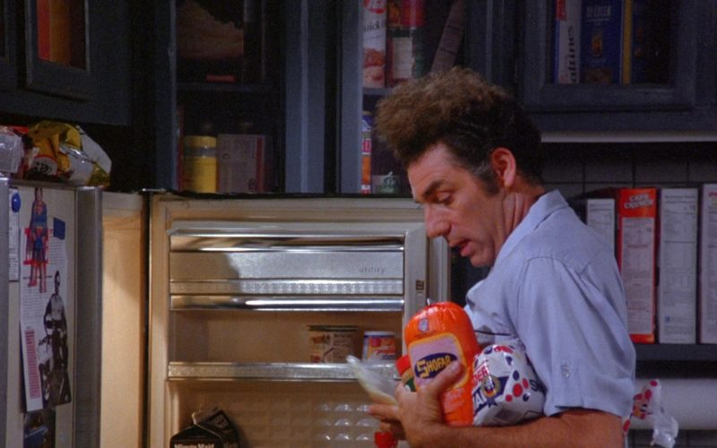 Shofar and Wonder Bread Held by Michael Richards as Cosmo Kramer in Seinfeld Season 6 Episode 7 (1)