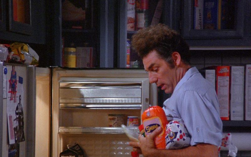 Shofar and Wonder Bread Held by Michael Richards as Cosmo Kramer in Seinfeld Season 6 Episode 7 (1)