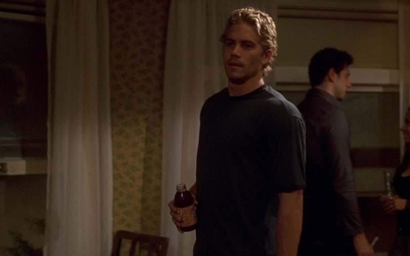 Snapple Drink Held by Paul Walker in The Fast and the Furious (2)