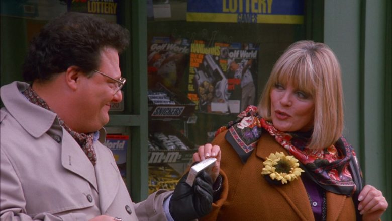 Snickers Bars and M&M's Candies in Seinfeld Season 6 Episode 11 The Switch (4)