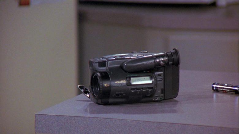 Sony Handycam Video Camera in Seinfeld Season 8 Episode 4 The Little Kicks (5)