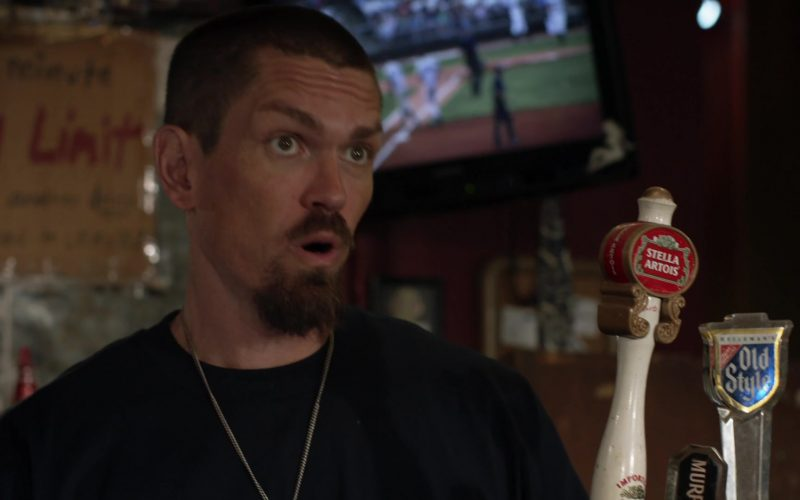 Stella Artois and Old Style Beer in Shameless Season 10 Episode 4