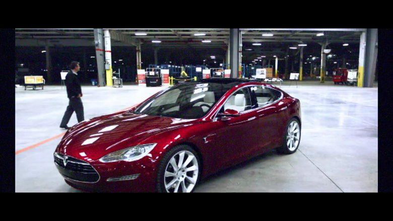 Tesla Cars in 6 Underground (1)