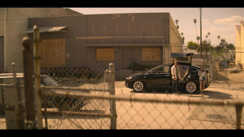 Tesla Model X Black SUV in YOU Season 2 Episode 4 The Good, The Bad & The Hendy (1)