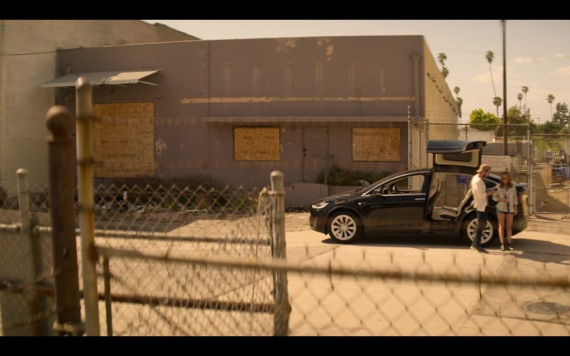 Tesla Model X Black SUV in YOU Season 2 Episode 4 The Good, The Bad & The Hendy (2)