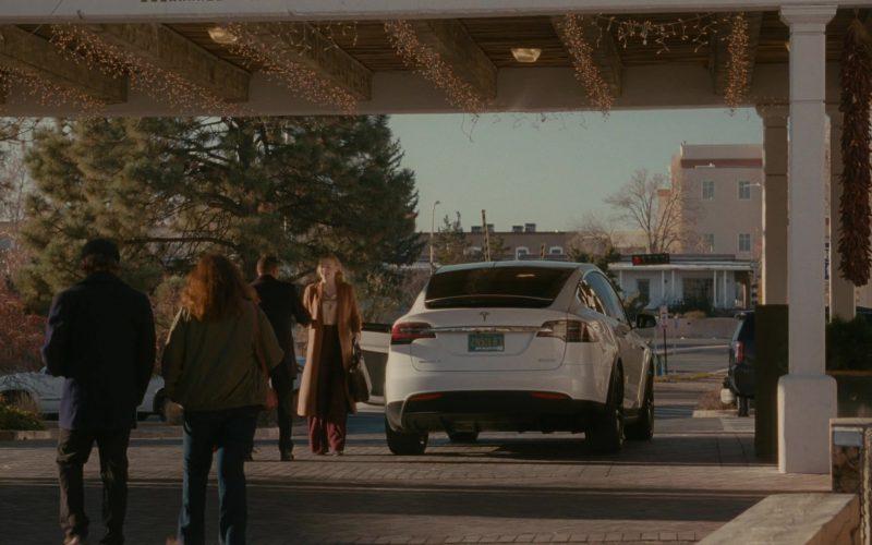 Tesla Model X White Car in Succession Season 1 Episode 7 Austerlitz (2)