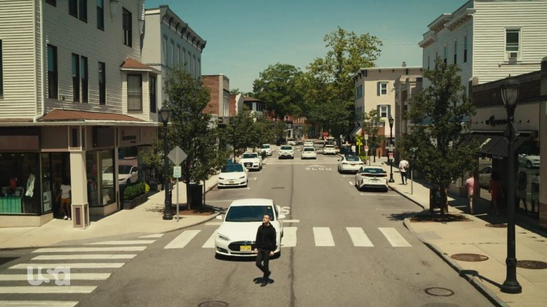 Tesla White Car in Mr. Robot Season 4 Episode 12 Series Finale Part 1 (1)