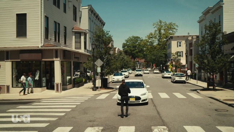 Tesla White Car in Mr. Robot Season 4 Episode 12 Series Finale Part 1 (2)