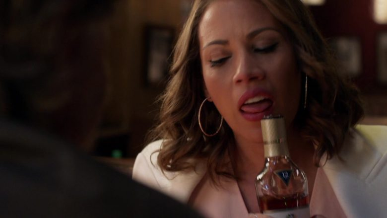 The Macallan 12 Year Old Whisky Enjoyed by Elizabeth Rodriguez and William H. Macy in Shameless Season 10 Episode 7 (7)