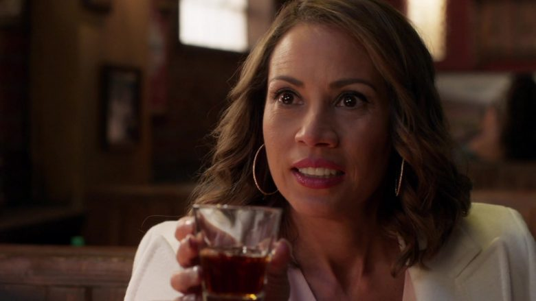 The Macallan 12 Year Old Whisky Enjoyed by Elizabeth Rodriguez and William H. Macy in Shameless Season 10 Episode 7 (8)
