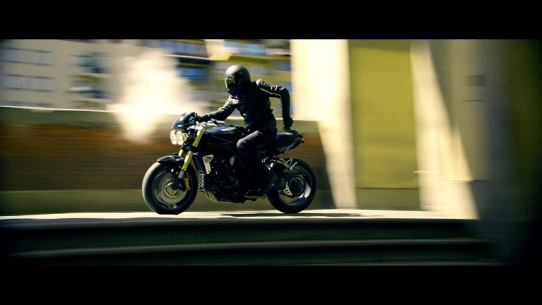 Triumph Motorcycle Driven by Actor in 6 Underground (2019) - Movie Product Placement