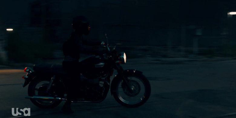 Triumph Motorcycle in The Purge Season 2 Episode 8 Before the Sirens (2)
