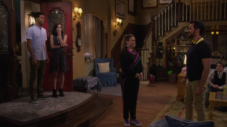 Vans Purple Shoes Worn by Candace Cameron-Bure as D.J. Tanner-Fuller in Fuller House Season 5 Episode 6 (2)