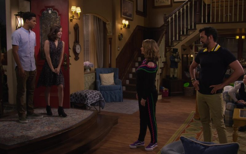 Vans Purple Shoes Worn by Candace Cameron-Bure as D.J. Tanner-Fuller in Fuller House Season 5 Episode 6 (3)