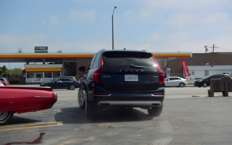 Volvo XC90 SUV in Runaways Season 3 Episode 4 Rite of Thunder (2)