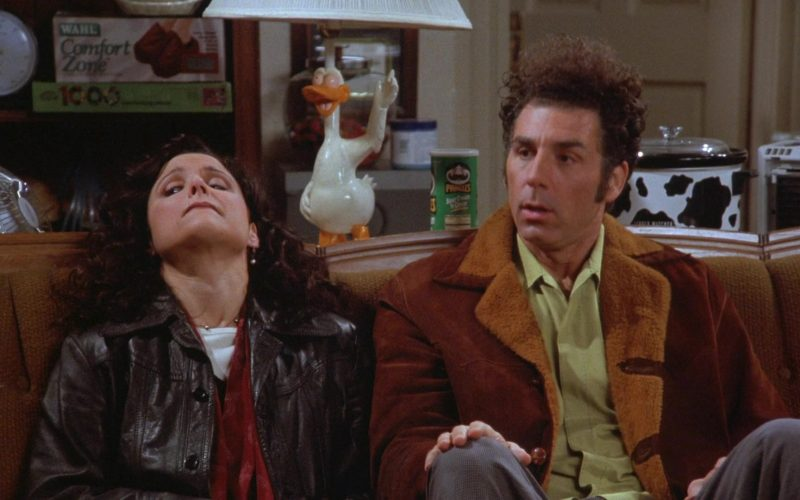 Wahl Comfort Zone Cordless Foot Massager and Pringles Chips in Seinfeld Season 7 Episode 13 The Seven (1)