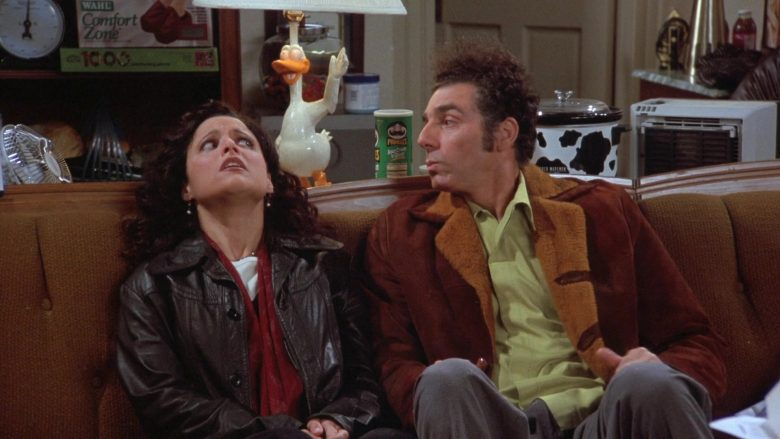 Wahl Comfort Zone Cordless Foot Massager and Pringles Chips in Seinfeld Season 7 Episode 13 The Seven (3)