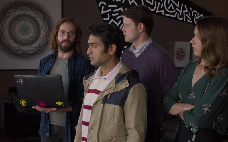 WiFi Pineapple Hak5 Laptop Sticker in Silicon Valley Season 6 Episode 7 (1)