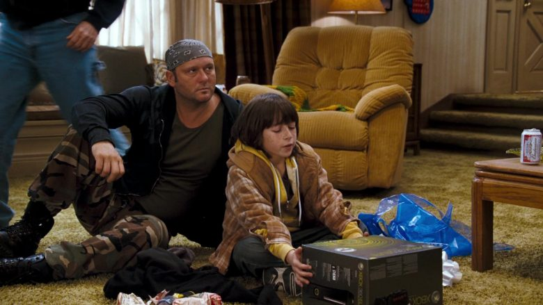 Xbox 360 Elite video game console held by Skyler Gisondo in Four Christmases (2)