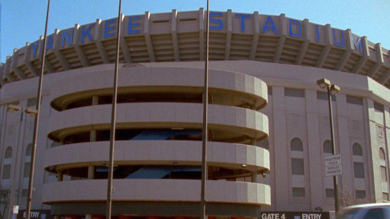Yankee Stadium in Seinfeld Season 7 Episode 12 The Caddy (2)