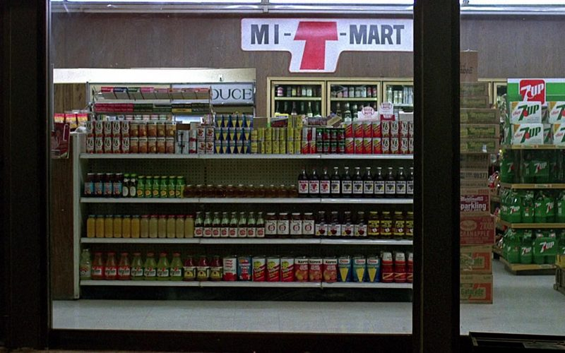 7UP Soda in Fast Times at Ridgemont High (1982)