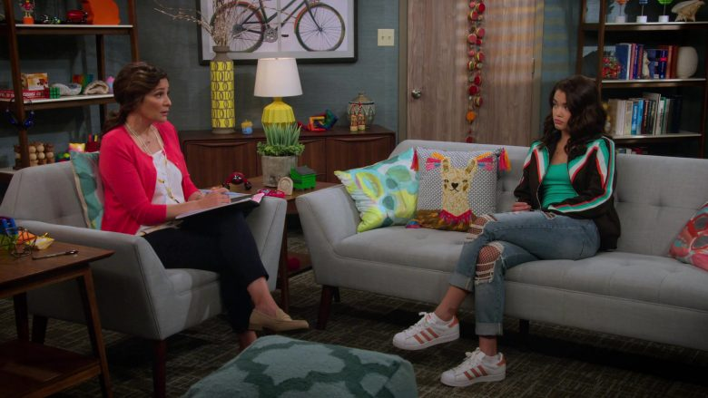 Adidas Shoes Worn by Paris Berelc in Alexa & Katie Season 3 Episode 7 It's Just… Weird (3)