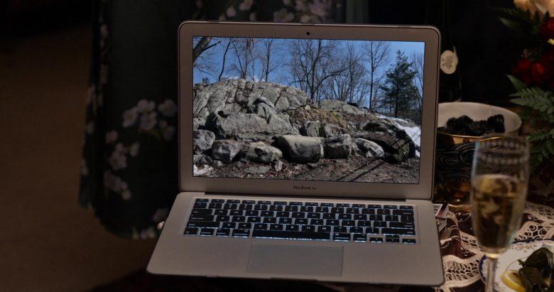 Apple MacBook Air Laptop in Little America Season 1 Episode 7 The Rock (2)