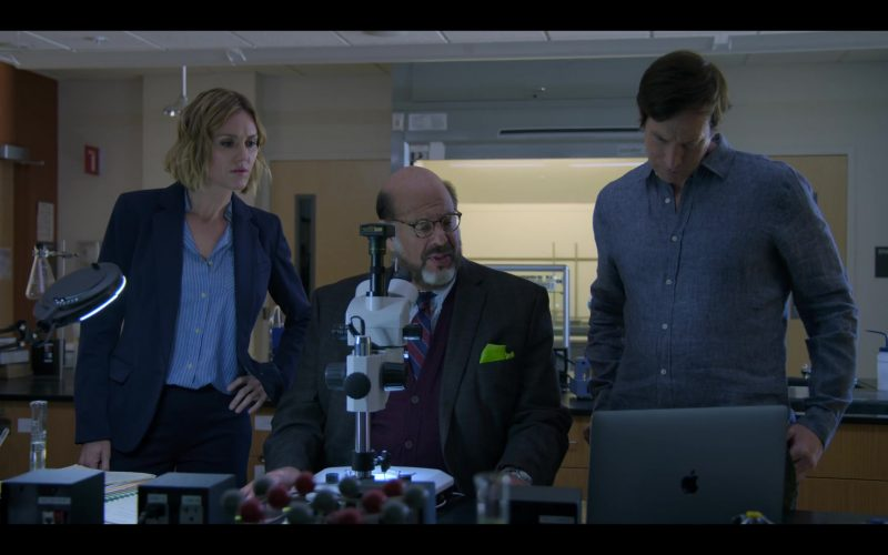 Apple MacBook Laptop Used by Erinn Hayes, Fred Melamed & Rob Huebel in Medical Police Season 1 Episode 3 Dumb Doggy (2)