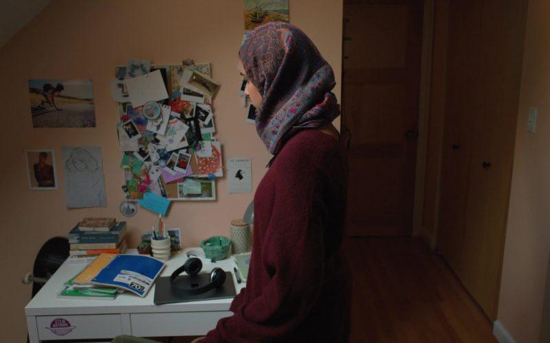 Apple MacBook Laptop Used by Geraldine Viswanathan in Hala (1)