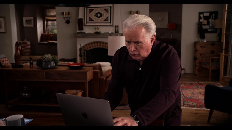 Apple MacBook Laptop Used by Martin Sheen as Robert in Grace and Frankie Season 6 Episode 12 The Tank (1)