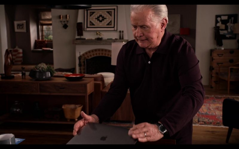 Apple MacBook Laptop Used by Martin Sheen as Robert in Grace and Frankie Season 6 Episode 12 The Tank (2)