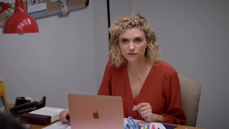 "Apple MacBook Rose Gold Laptop Computer in Curb Your Enthusiasm Season 10 Episode 1 ""Happy New Year"" (2020) TV Show"