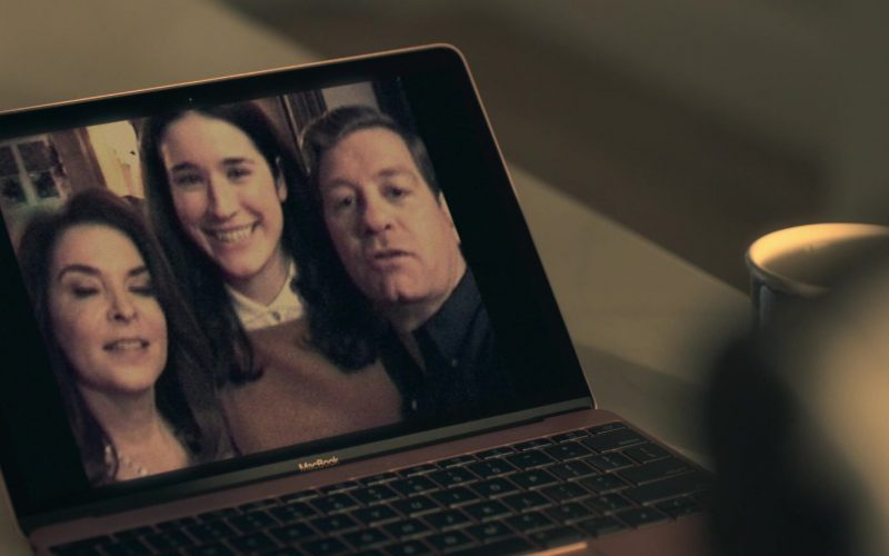 Apple MacBook Rose Gold Laptop in Truth Be Told Season 1 Episode 8 (2020)