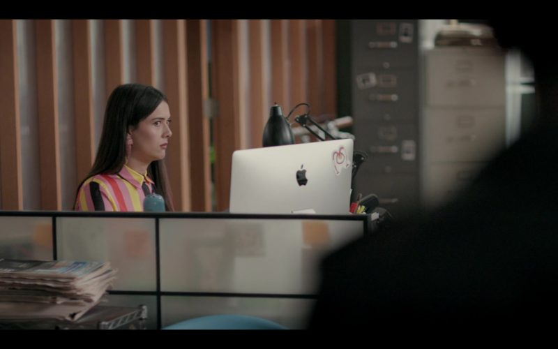 Apple iMac All-In-One Computer in Shrill Season 2 Episode 6 (1)
