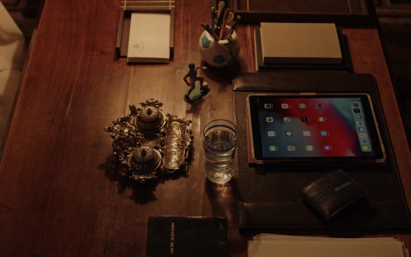 Apple iPad Tablet in The New Pope Season 1 Episode 4 (2020)